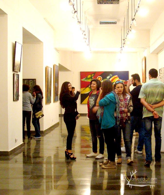 Modern-art-gallery001
