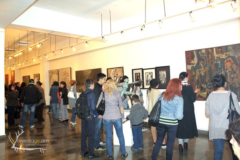 Modern-art-gallery002