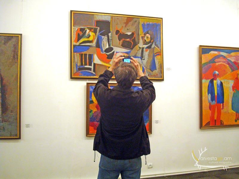Modern-art-gallery003