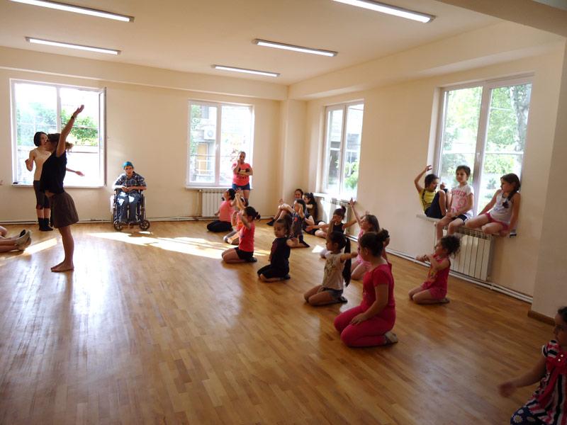 Ba-Ar-Di-A-therapeutic-dance-studio-034