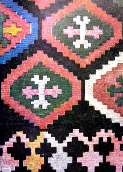 Ornaments-of-Armenian-carpets-and-national-costume-005